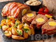 Рецепта Немско руло Стефани с цели варени яйца и обвивка от бекон